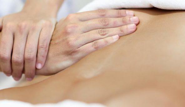 Le massage  du ventre Sarasvati